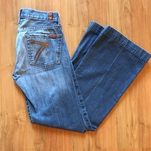Seven For All Man Kind 7FAM Flare Jeans Size 27